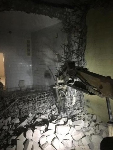 Слом сейфа роботом BROKK 150